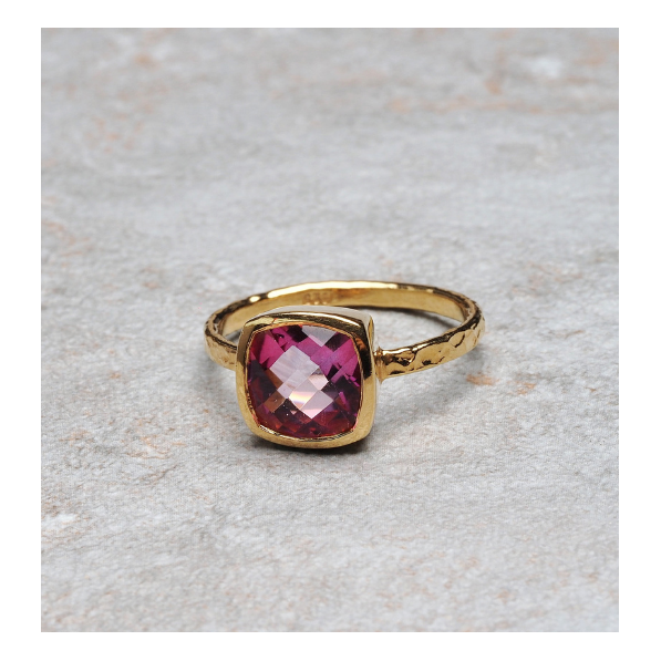 Ring with pink topaz