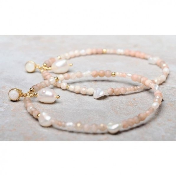 Circle earrings with sunstones and pearls